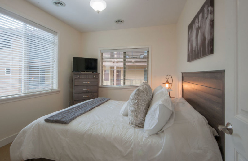 Rental bedroom at realTopia Vacation Rentals.