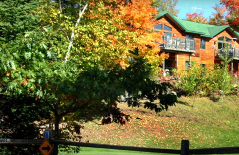 Exterior of Lakewoods Resort.