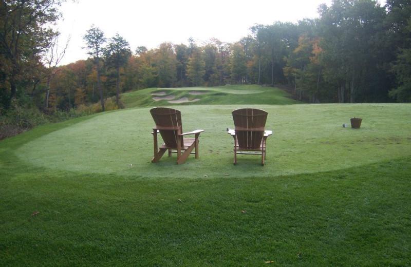 Golfing at Rocky Crest Golf Resort