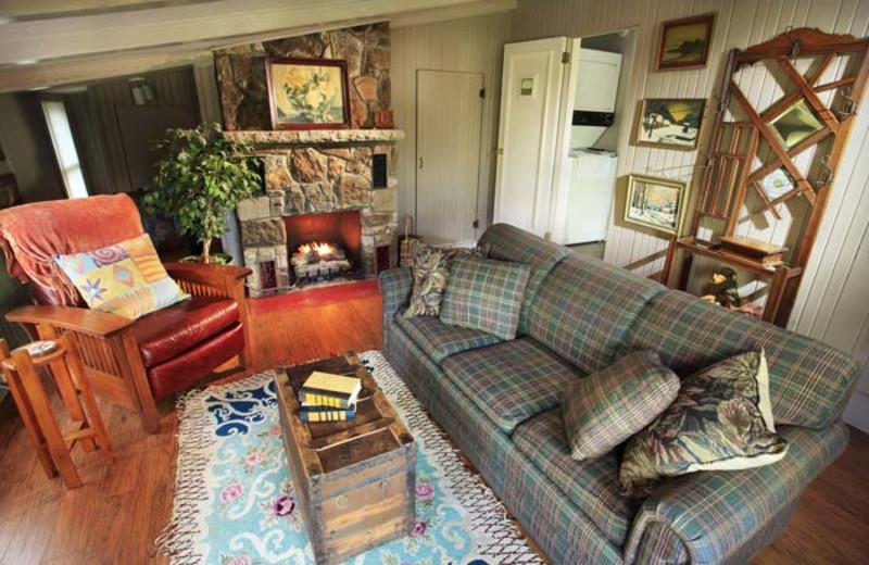Cabin Living Room at Hidden Hollow Cabins