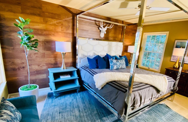 Rental bedroom at Northern Living - Luxurious Vacation Rentals.