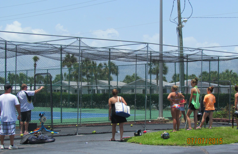 Tennis court at Moonspinner Condominium.