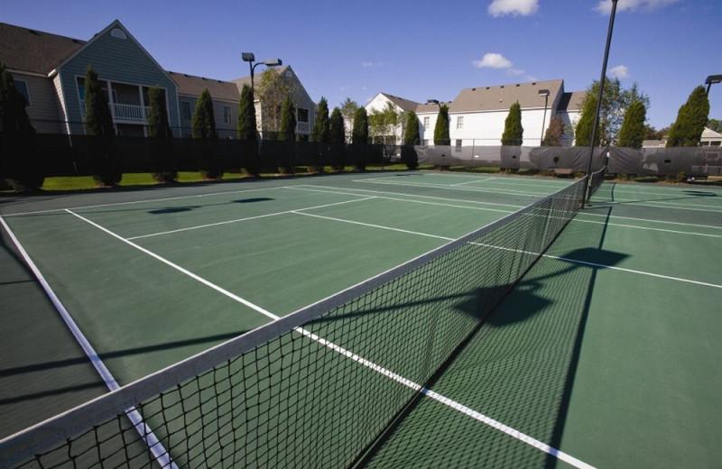 Tennis court at Wyndham Kingsgate.