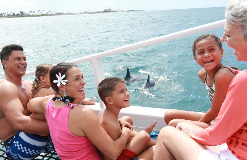 Family boating at Gulf Shores Rentals.