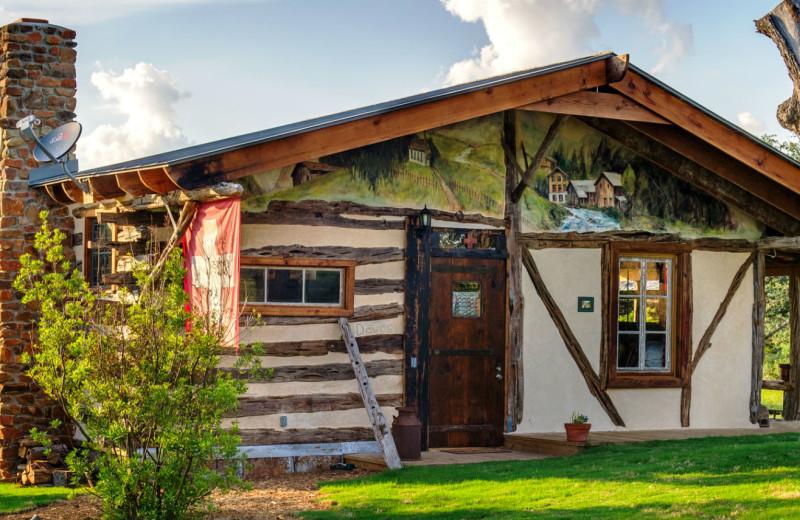 Cabin exterior at Barons Creekside.