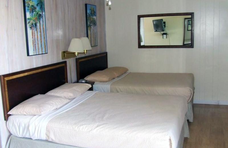 Guest bedroom at Buzzard Rock Resort and Marina.