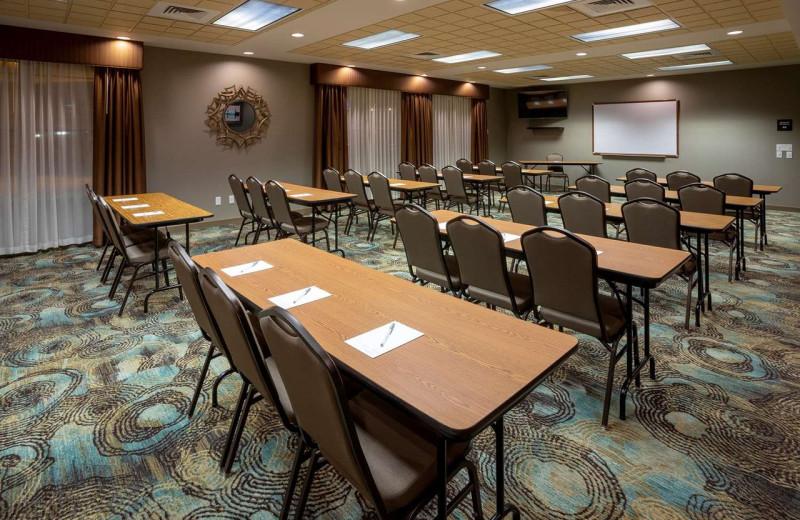 Meeting room at Hampton Inn Duluth Canal Park.