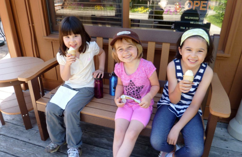 Kids eating ice cream at River Point Resort & Outfitting Co.