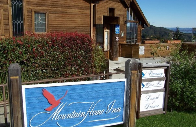 Exterior view of Mountain Home Inn.