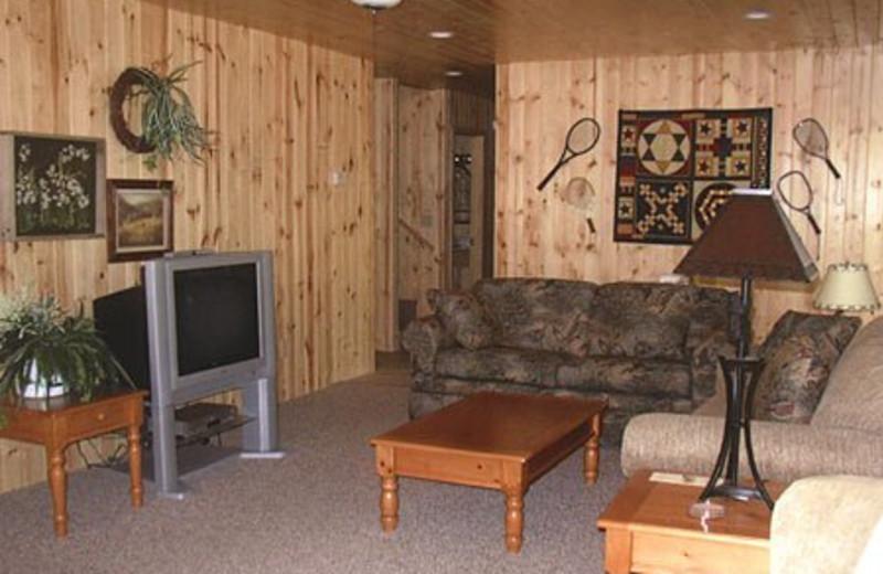 Cabin Living Room at Edgewood Resort