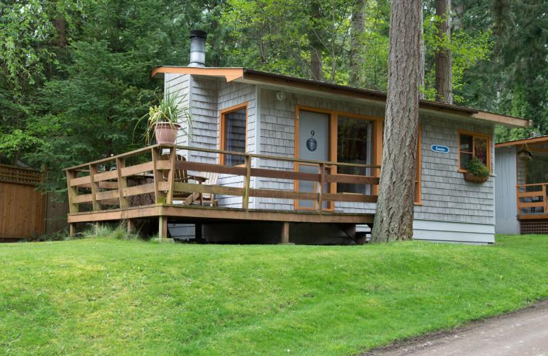 Cottage exterior at Blue Vista Resort.