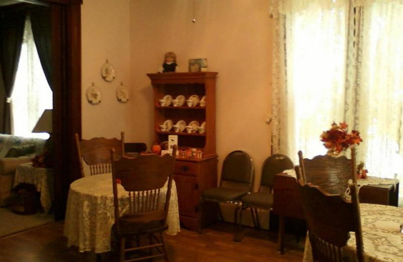 Dining at Pennsylvania Gast-Haus.