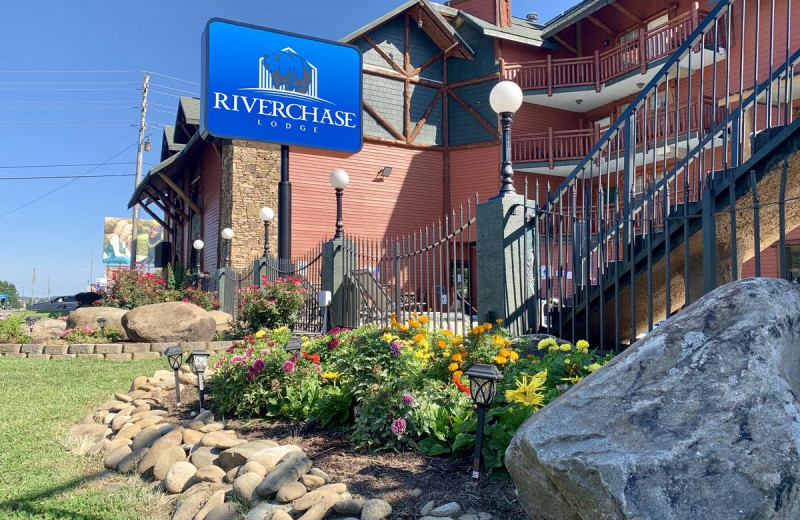 Exterior view of Riverchase Lodge.