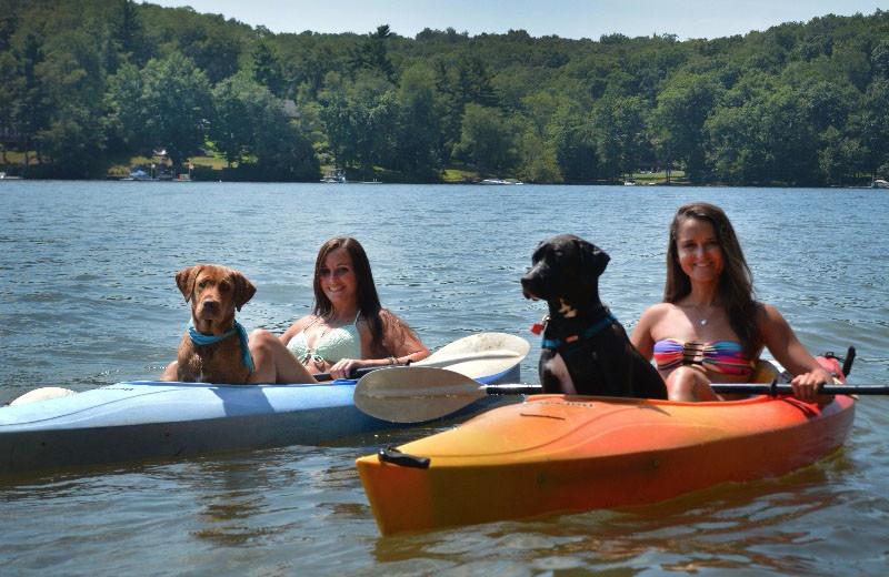 Kayaking at Taylor-Made Deep Creek Vacations.