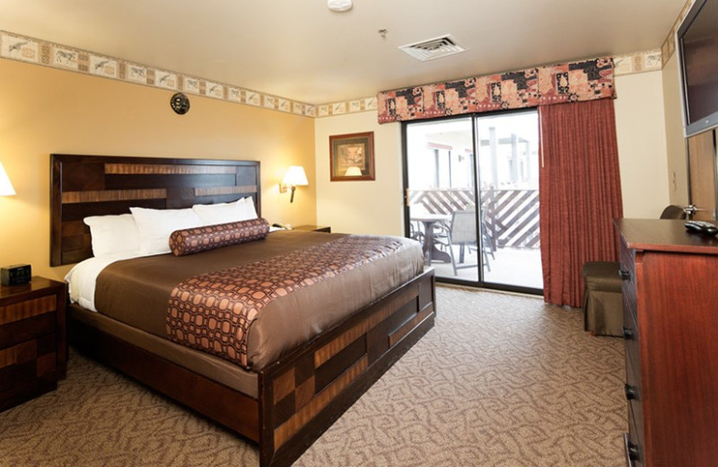Guest bedroom at Kalahari Waterpark Resort Convention Center.