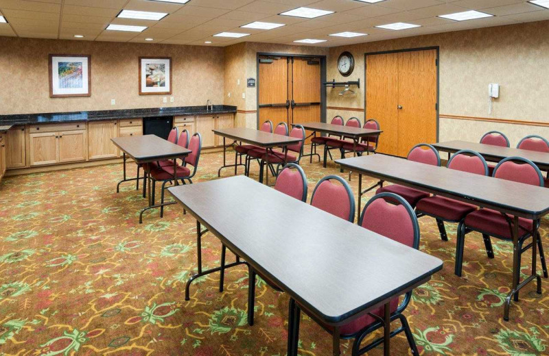 Meetings at Comfort Suites Canal Park.