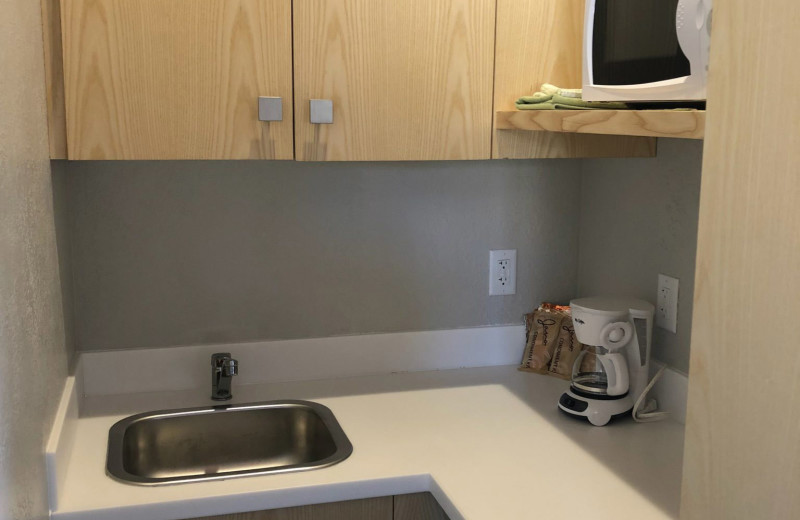 Guest room kitchenette at Stone Canyon Inn.
