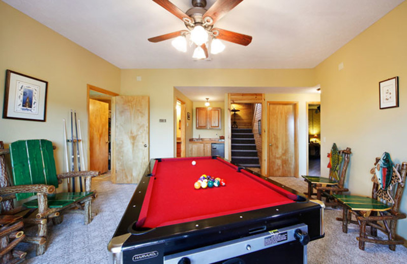 Pool table at Can-U-Canoe Riverview Cabins.