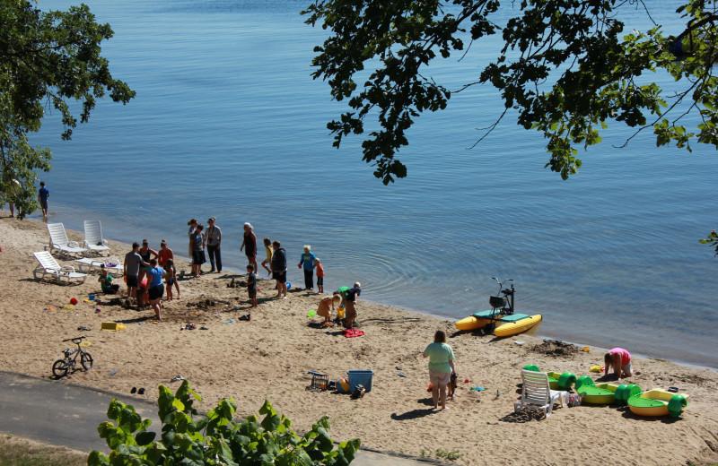 The beach at Finn'n Feather Resort.