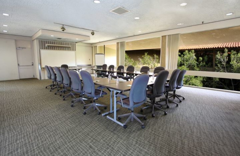 Meeting room at Kellogg West Conference Center & Lodge.