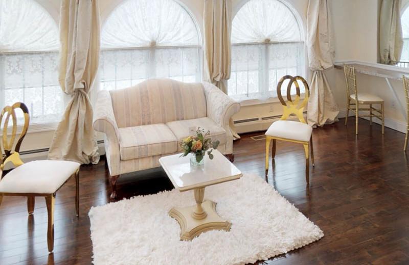 Weddings at Meadowbrook Estate. Bridal Preparation Suite