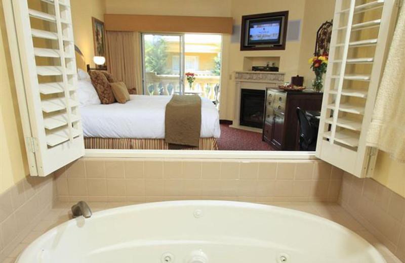 Suite view at Dry Creek Inn Hotel.