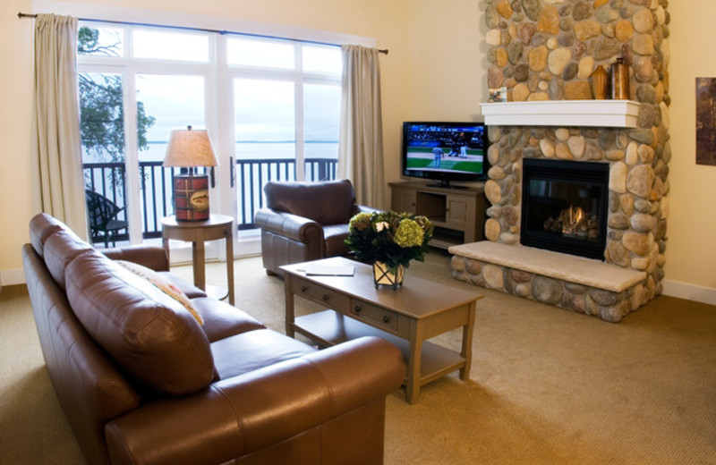 Guest living room at Grand View Lodge.