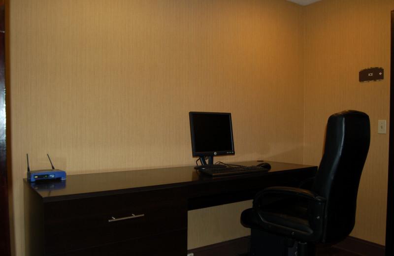Business center at Black Swan Inn.