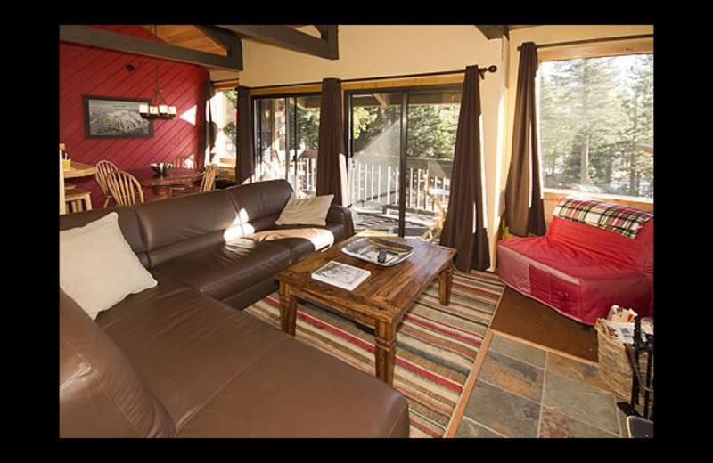 Vacation rental living room at JetLiving.