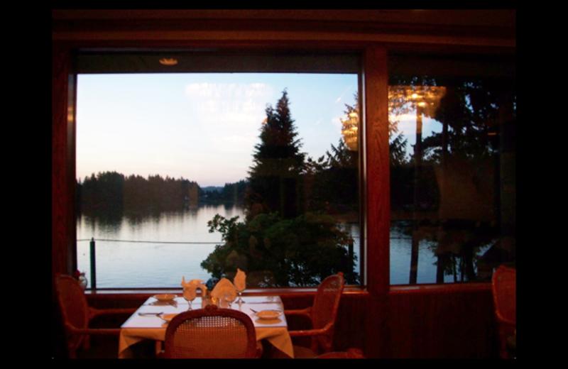 Dining at Oyster Bay Inn & Restaurant.