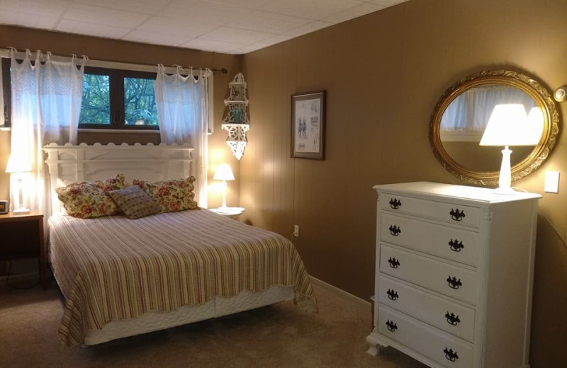 Guest room at Geyser Lodge.