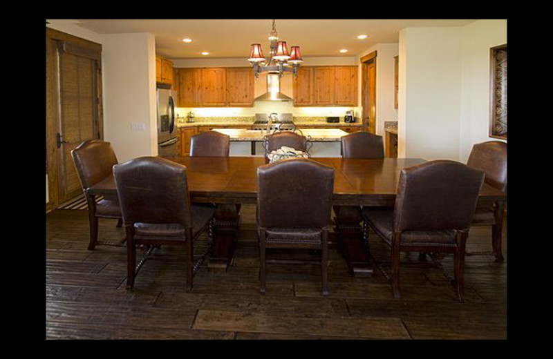 Vacation rental dining room at Mammoth Property Reservations.