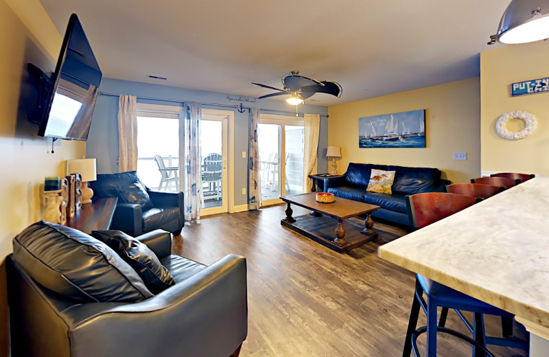 Put-in-Bay Waterfront Condos Main Area