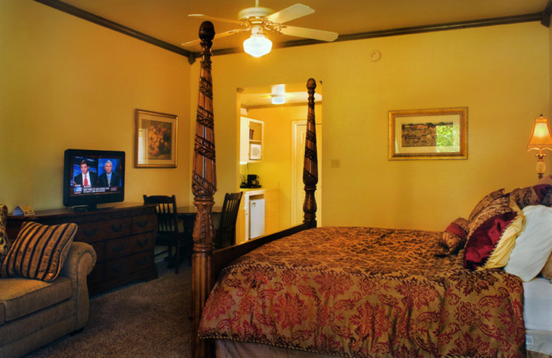 Guest room at Inn on Barons Creek.