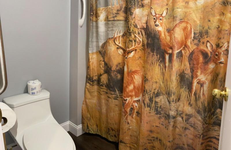 Guest bathroom at Pelican Motel.
