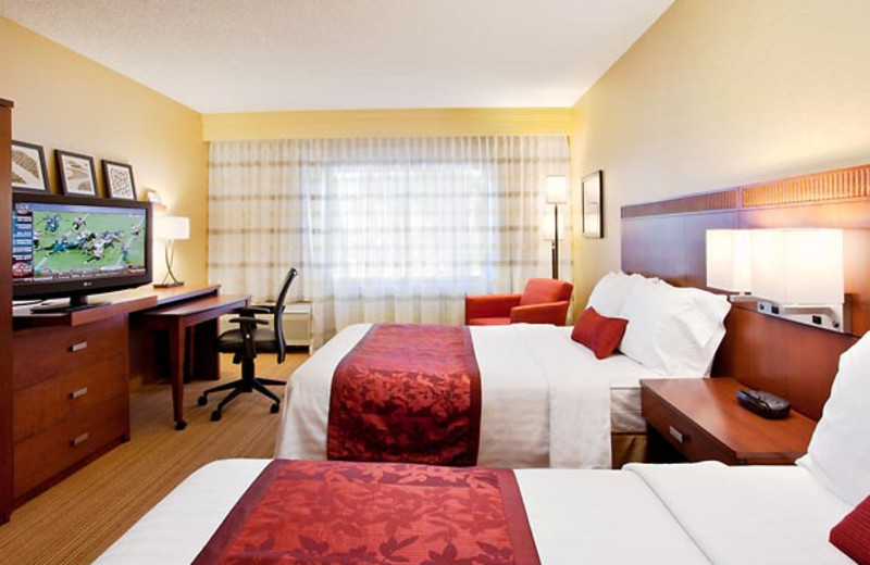 Two bed guest room at Courtyard by Marriott Laguna Hills Irvine Spectrum/Orange County.