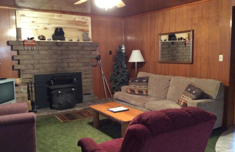 Cabin living room at Bear Paw Lodge.