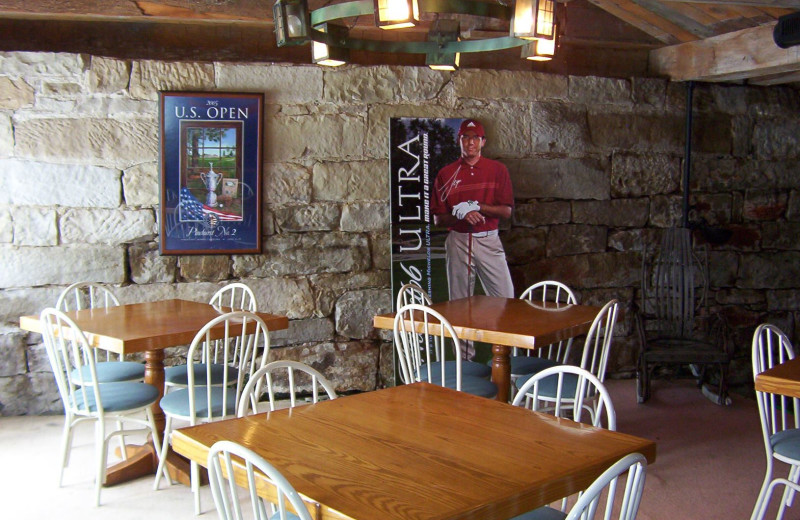 Dining at Spring Valley Golf and Lodge.