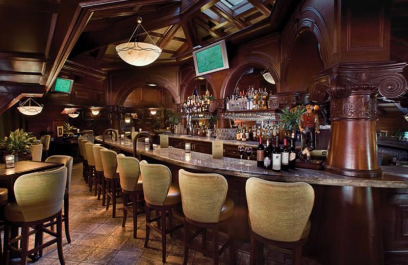 Bar & Restaurant at Pointe Hilton Tapatio Cliffs Resort