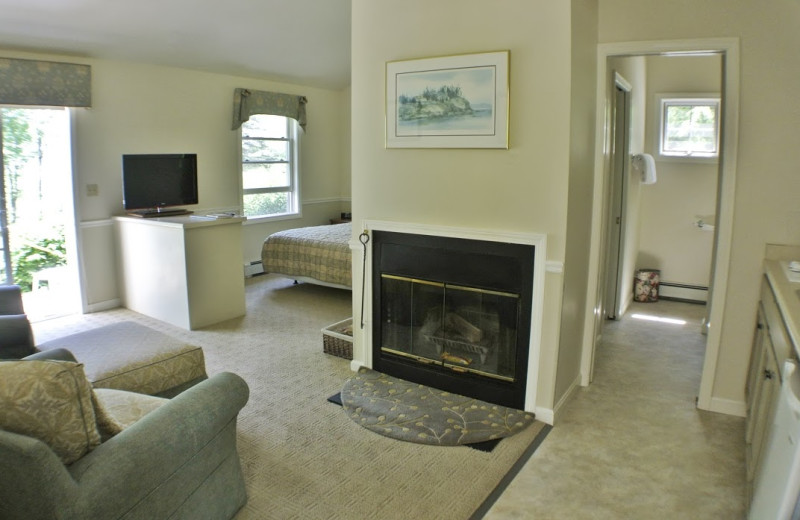 Mount Battie fireplace suite at The Lodge at Camden Hills.