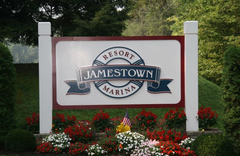 Jamestown Resort and Marina sign.