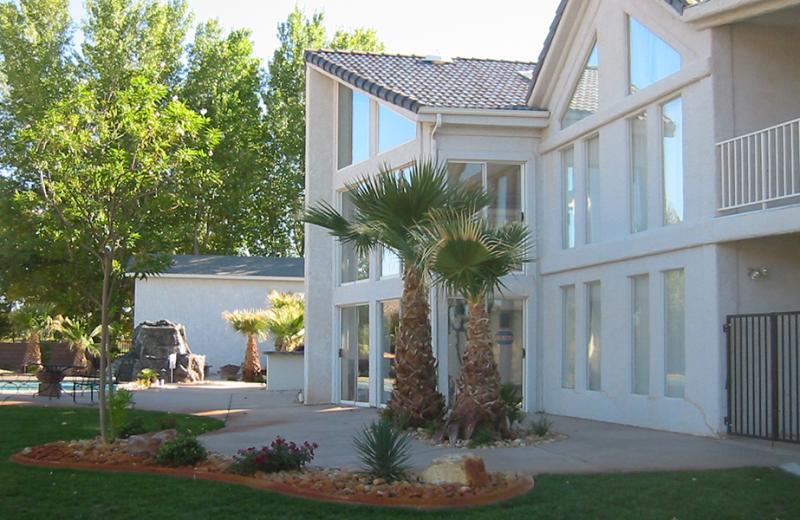 Exterior view of Utah Family Lodges.