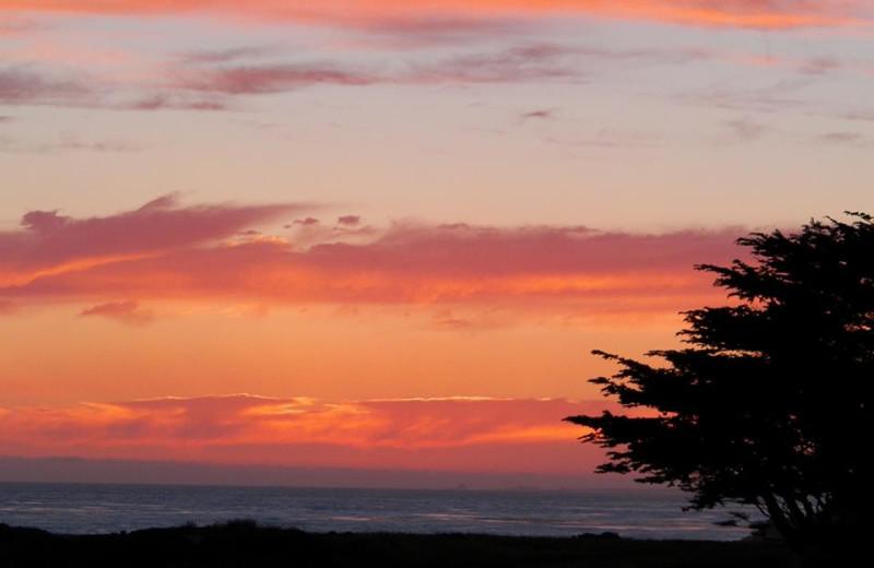 Beach sunset at Sea Otter Inn.