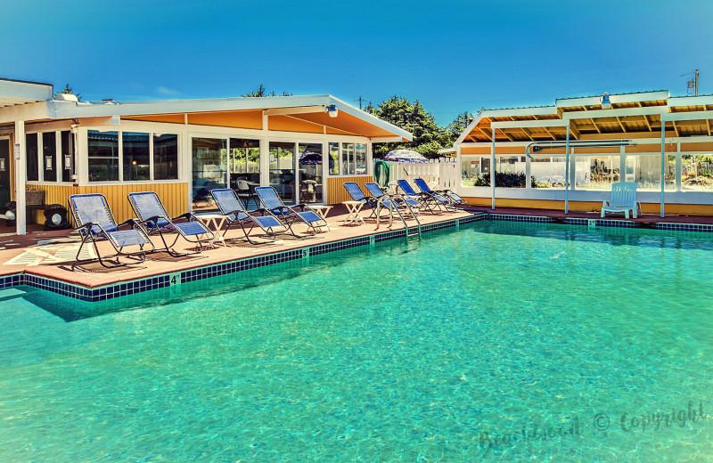 Outdoor pool at Beachwood Resort Condos.