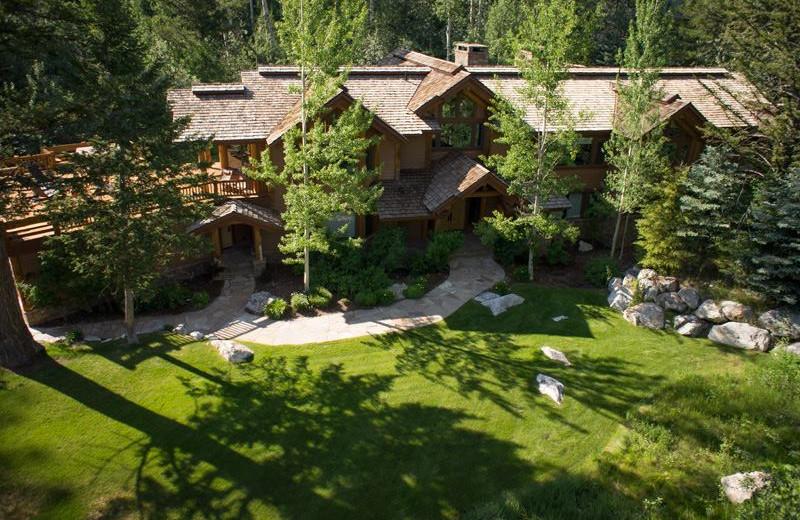 Rental exterior at Rendezvous Mountain Rentals & Management.