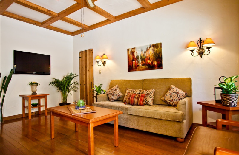 Guest living room at El Cordova Hotel.