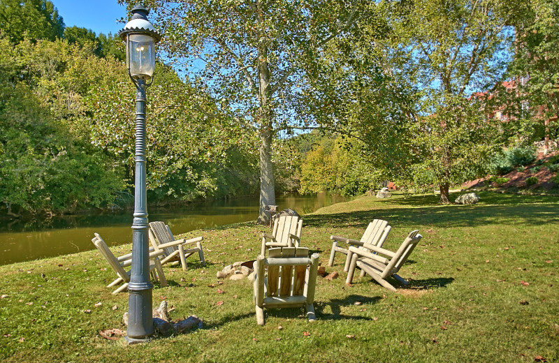 Firepit at the Appleview River Resort.