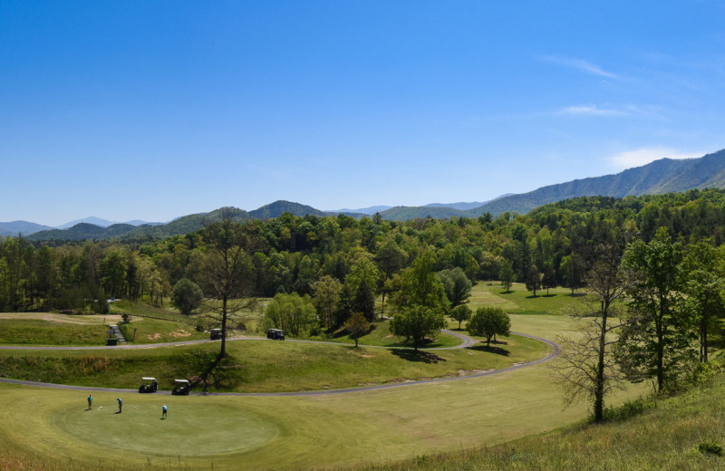 Golf course near Dogwood Cabins LLC.