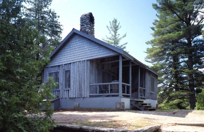 Big Tom Cottage exterior at Elk Lake Lodge.