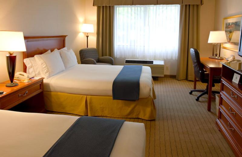 Guest Room at Holiday Inn Express Walnut Creek